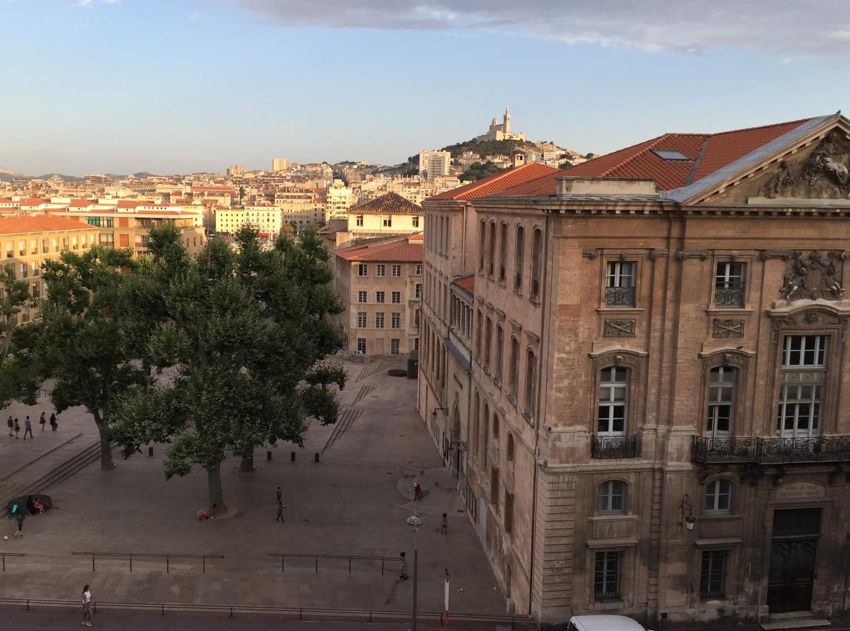 Ausblick auf die Kathedrale Notre-dame de la garde